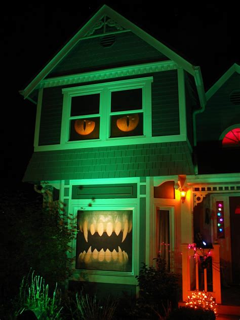 decorations for house 15 houses killing it with halloween decorations dorkly post