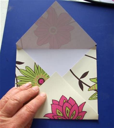 Folded Paper Envelope - make an easy folded paper envelope crafts