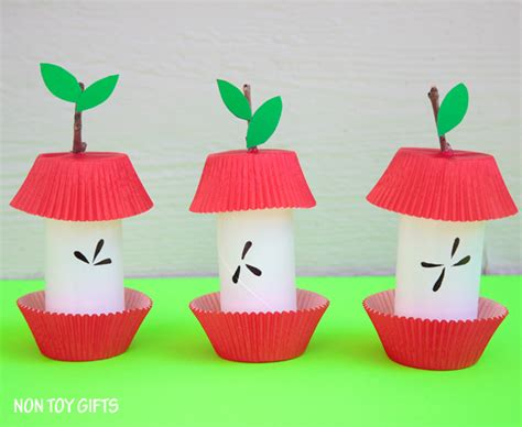Easy Crafts To Do With Paper - paper roll apple kid craft non gifts