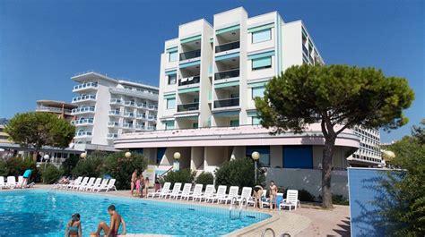 appartamenti fronte mare bibione spiaggia residence luxor apartemento b5 3 5 persone fronte