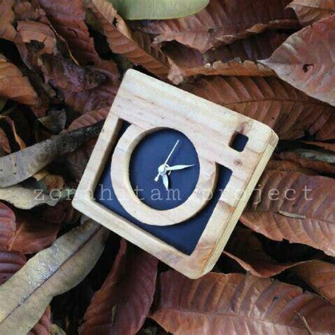 Pajangan Dinding Kayu Handmade jam dinding kayu bisa custom sesuai keinginan kalian minat bisa hubungi kontak yang tersedia