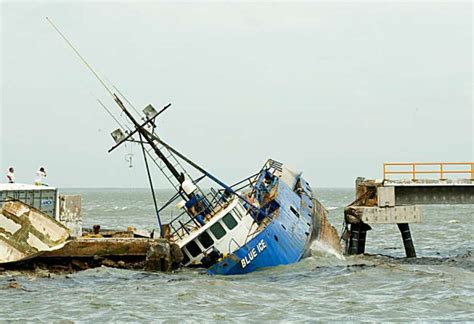 boat crash mexico wicked winds the worst hurricanes in mexico s history
