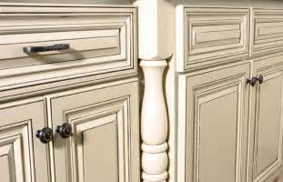 How To Paint Antique White Kitchen Cabinets by How To Paint Cabinets White Distressed Kitchen Cabinets
