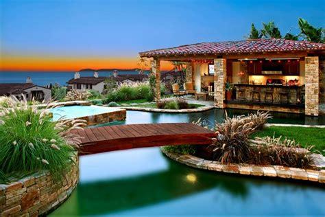utterly luxurious mediterranean swimming pools