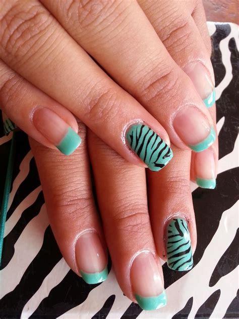 imagenes de uñas decoradas color turquesa u 241 as acr 237 licas decoradas con francesa y animal print de