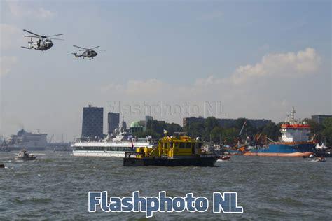 boten kijken rotterdam gegijzeld schip bevrijd tijdens havendagen wilhelminakade
