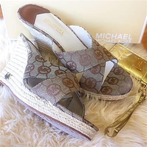 Mk B698 7 Wedges Shoes 39 michael kors shoes mk michael kors kami monogram wedges wedge sandals from elizabeth s