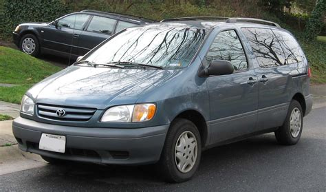 toyota sienna europe 2001 toyota sienna pictures information and specs