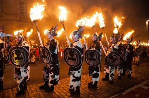 new year procession in pictures hogmanay torchlight procession in edinburgh