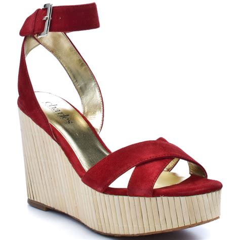 fashionable shoes with bright colors from bamboo pouted