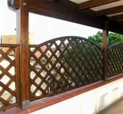 terrazzi con ringhiera griglie per terrazzi grigliati e frangivento gliglie