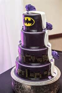 Nice Disney Themed Wedding #6: Half-traditional-and-Half-batman-wedding-cake.jpg