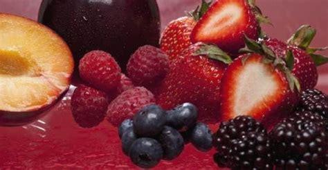 alimenti ricchi di flavonoidi cibi ricchi di flavonoidi per combattere il parkinson