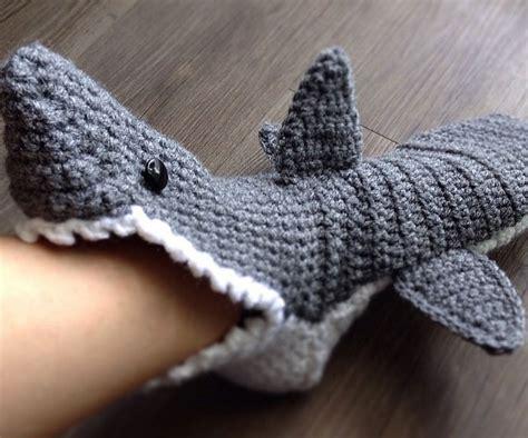 shark socks pattern knitting shark slippers knitting pattern 28 images shark socks