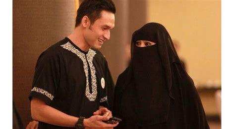 Gamis Syari Indra L Brugman Dapet Pria Ganteng Muslimah Bercadar Ini Hebohkan Dunia