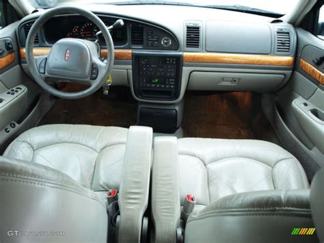 2002 Lincoln Continental Interior by Lincoln Continental 137px Image 7