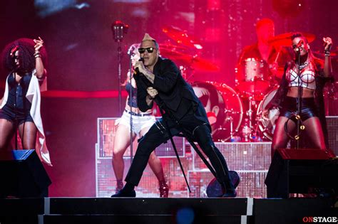 Calendario Robbie Williams 2015 Robbie Williams Le Foto Concerto Al Rock In Roma 7