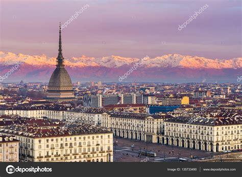italia torino torino piemonte paesaggio urbano all alba con dettagli