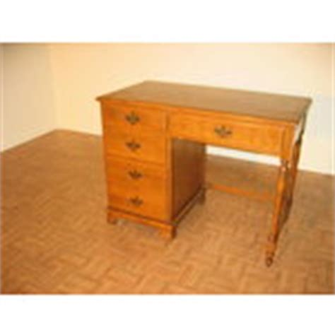 Maple Student Desk by Vintage Baumritter Ethan Allen Maple Student Desk 03 28 2008