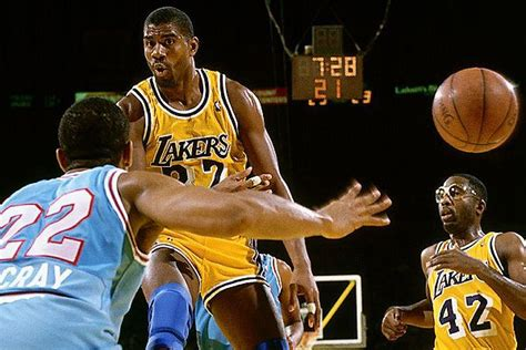 magic johnson no look pass tip 11 peripheral vision do you have eyes behind your