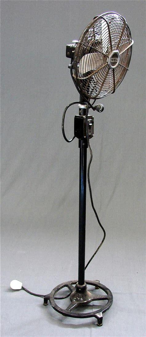 Cinni Pedestal Fan a vintage cinni pedestal fan in modern design