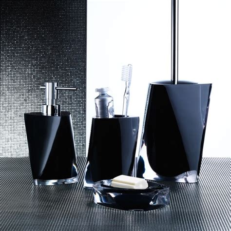 classic look with white and black bathroom accessories