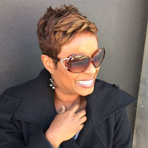 karen graham fox 5 hair stylist instagram analytics summer style and glasses