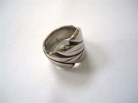 file carved silver ring jpg wikimedia commons