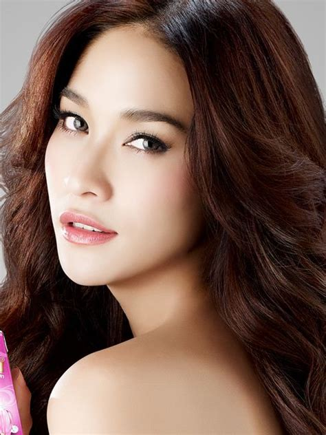 cat thai actress ploy chermarn thai actress sweet and girly and cats