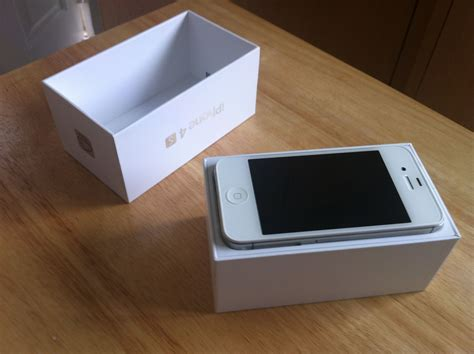 Hp Iphone 4s White iphone 4s 16gb boxed new condition clickbd