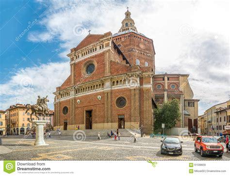 santo di pavia cattedrale di santo stefano a pavia fotografia editoriale
