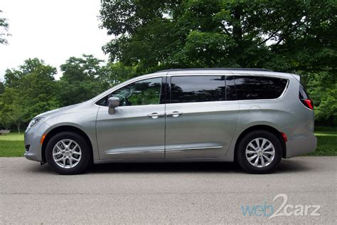 how much is a chrysler pacifica 2017 chrysler pacifica touring l review carsquare