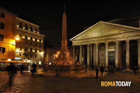 di roma piazza colonna pantheon e piazza navona di notte