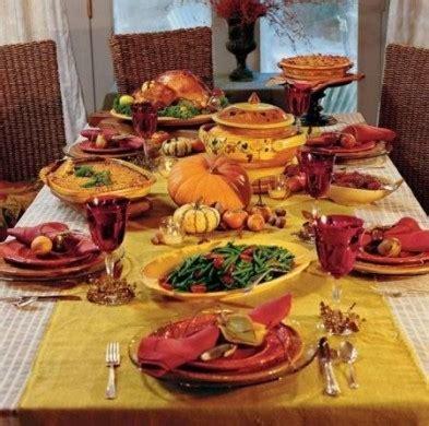 tavola inbandita dieta e abbuffate natalizie foto pourfemme