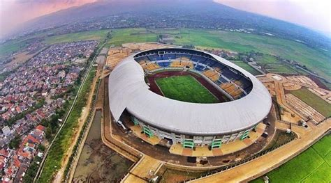 wallpaper stadion gelora bandung lautan api gelora bandung lautan api gbla stadion kebanggaan urang