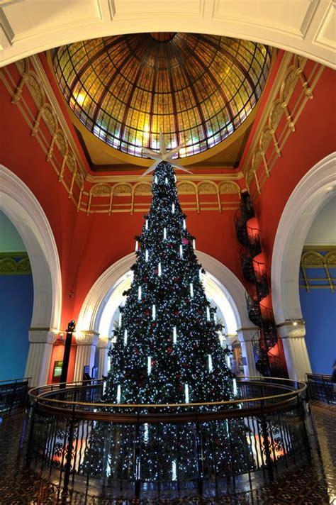a christmas themed tour of sydney sydney
