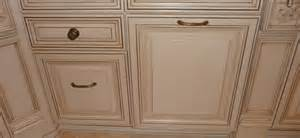 white kitchen cabinets with chocolate glaze linen white with chocolate glaze 8 hausslers kitchens