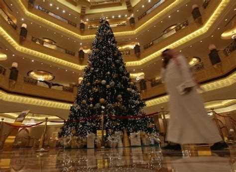 11 million christmas tree in uae