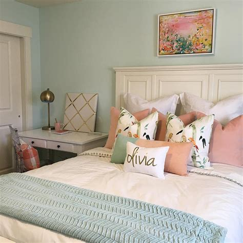 wall color  embellished blue  sherwin williams mixed