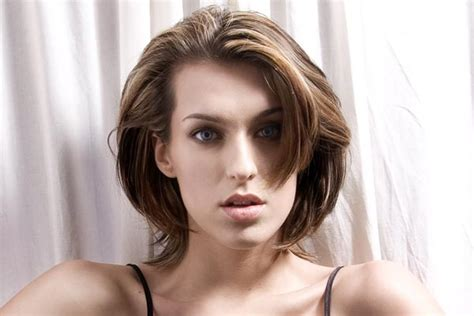 great haircuts for fine hair with wide jaw line bob hairstyles for thick hair medium length