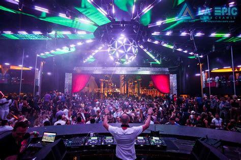 miami boat party senor frogs drai s nightclub la epic club crawls las vegas