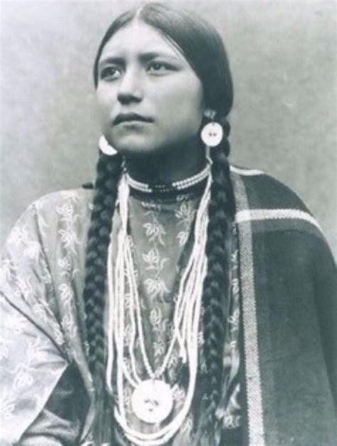 imagenes mujeres lakotas rare photographs of native american women at the end of