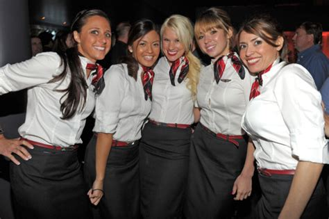 How Much Do Room Attendants Make by Do Pilots Hook Up With Flight Attendants An Airline Pilot
