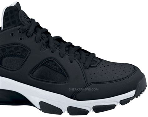 Sepatu Casual Nike Zoom Flyknit Sneaker Running 03 36 40 nike zoom huarache tr low black white available