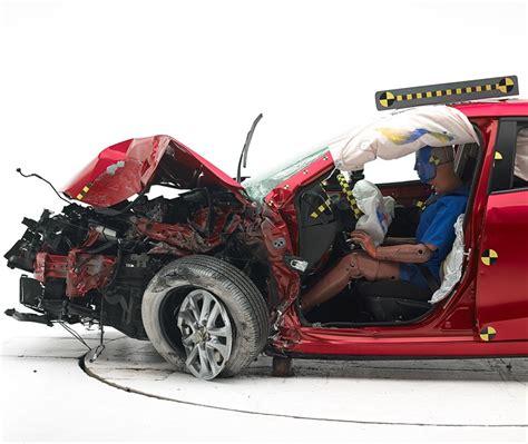 Frame Mazda 3 2010 Mobil small overlap front