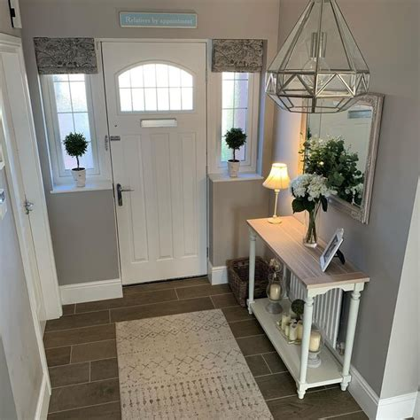 create  welcoming hallway small house interior