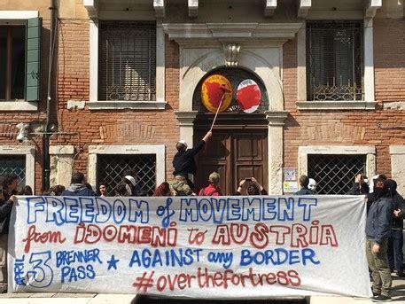 consolato macedonia blitz centri sociali a consolato austria veneto ansa it