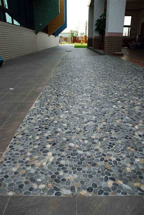 Pebble Flooring by Earth Pebble Tile