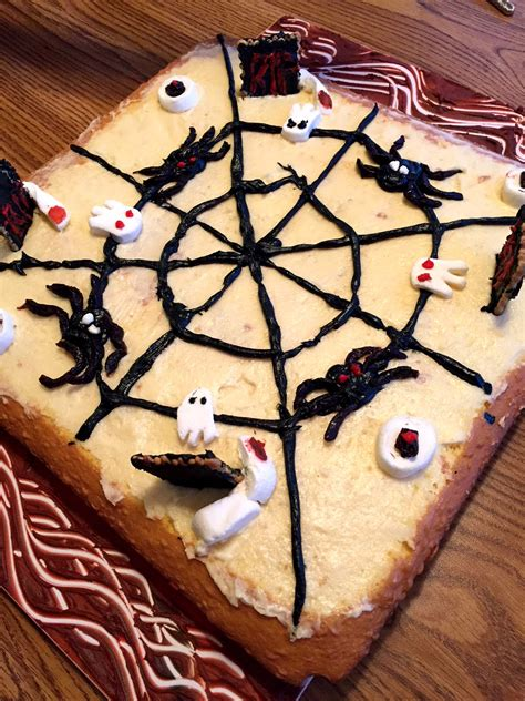 easy halloween cake decorating ideas  spooky cake design melanie cooks