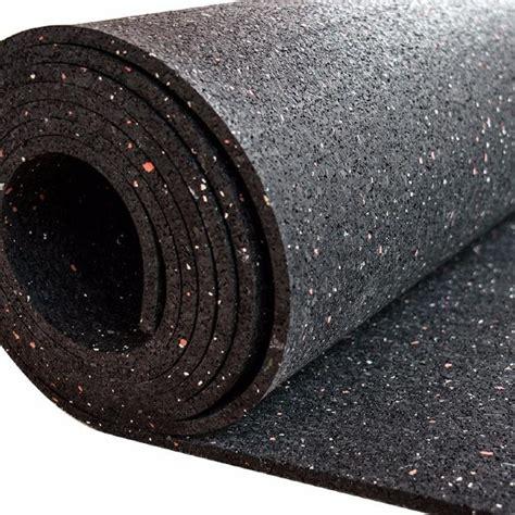 alfombra de goma mm de espesor   de particulas en rojo  blanco rollo de